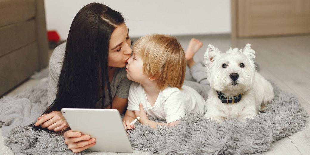 Pet terapia: Como a interação com os animais ajuda no desenvolvimento de crianças com autismo!